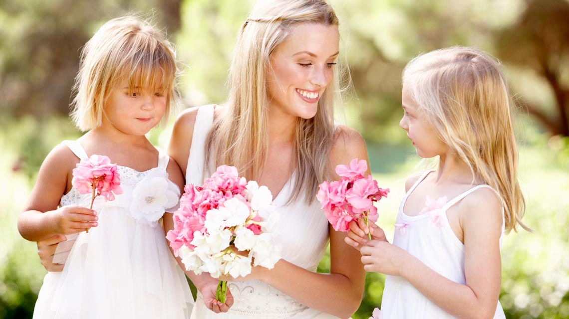 bride-and-flower-girls